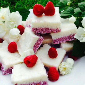 Raspberry and lemon coconut bars to satisfy any sweet tooth, naturally vegan, low carb, gluten free and no need to switch theoven on.