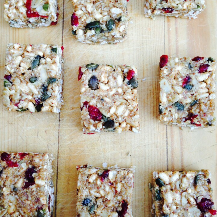 These no-bake homemade granola barsare gooey, super chewy, and loaded with only the yummiest ingredients making them simply irresistible.