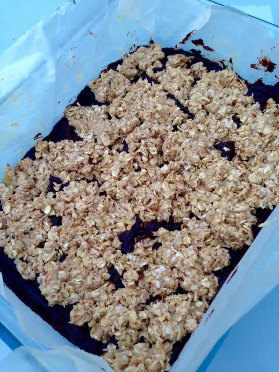 Clean chocolate oat bars