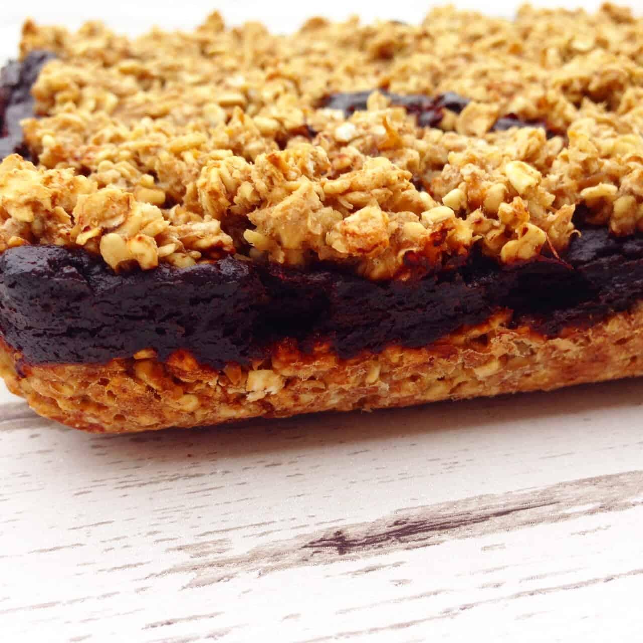 Healthy chocolate oat bars 1