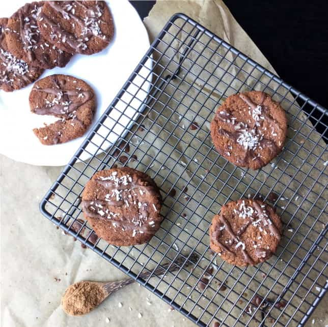Best coconut flour recipes - Chewy chocolate and coconut cookies