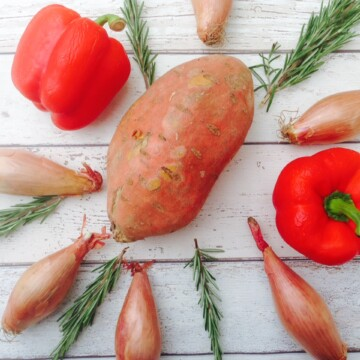 Roasted sweet potatoes with peppers and shallots recipe
