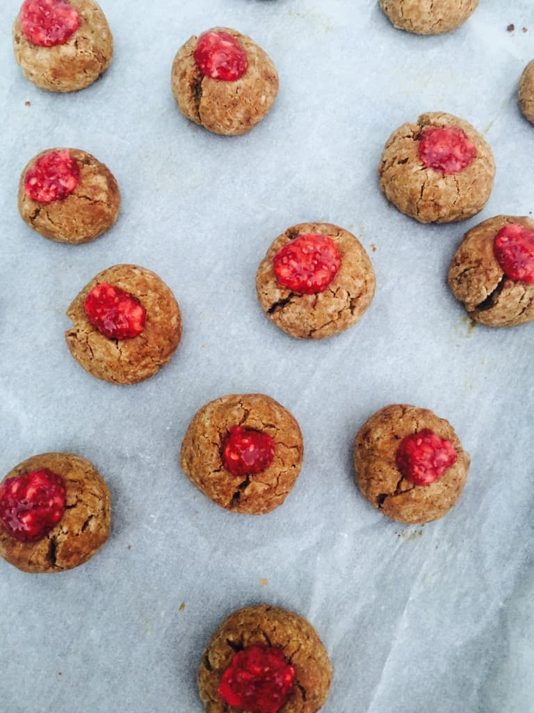 Healthy Peanut Butter Cookies with Chia Jam - Image 5