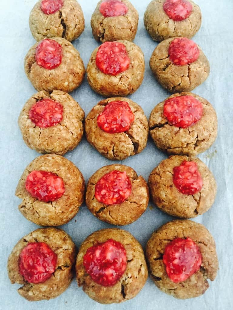 Healthy Peanut Butter Cookies with Chia Jam - Image 1