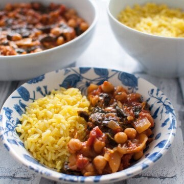 Clean eating chickpea curry recipe | Hedi Hearts
