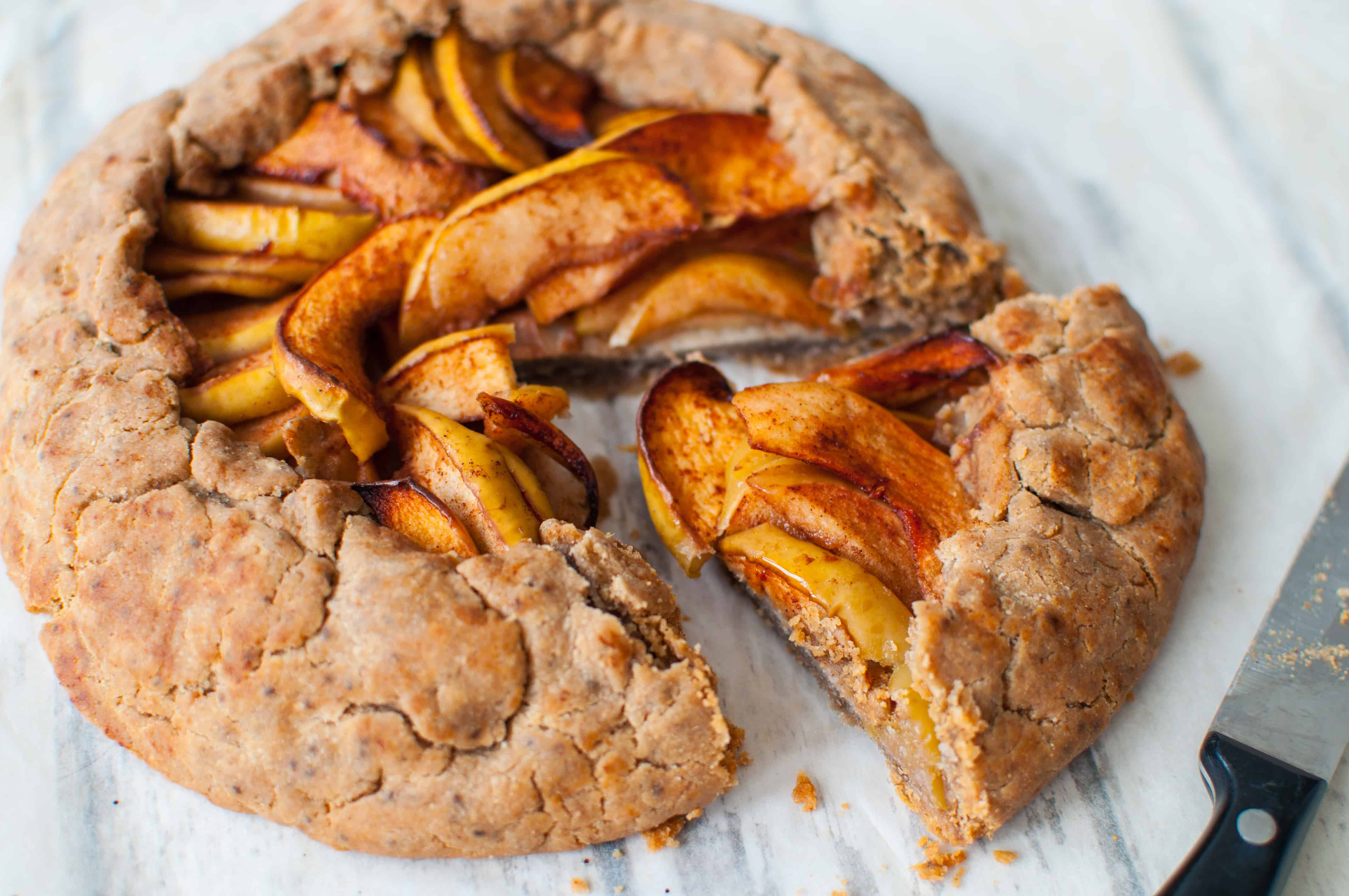 Simple apple galette recipe - Hedi Hearts Clean Eating Recipes
