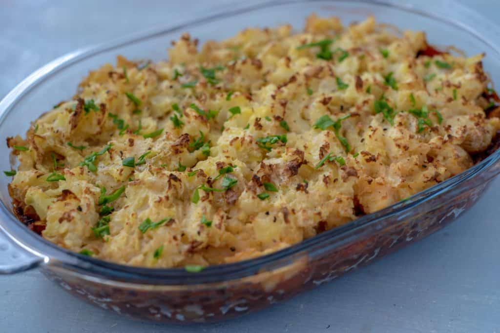 Are you looking for easy healthy shepherd's pie recipe which is dairy and grain free as well as vegan and absolutely tasty? Then come and get a piece now! #healthyrecipes #veganrecipes #healthydinneridea #easyrecipes #grainfreerecipes #dairyfreerecipes