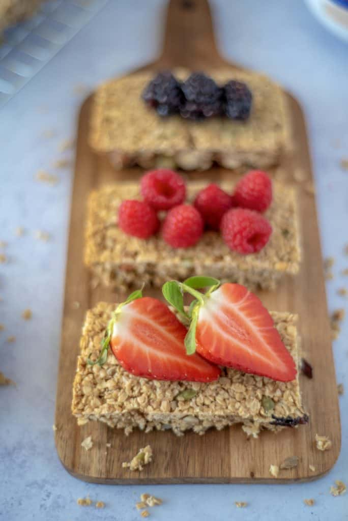The Best Healthy Flapjack recipe loaded with oats, seeds and nuts perfect for morning or afternoon snacking.And a lot healthier than traditional flapjacks! #cleaneatingrecipes #veganflapjack #healthyflapjack #simpleflapjack #flapjacks