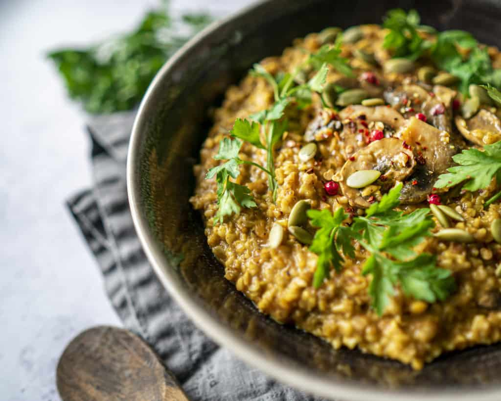 Oatsotto is risotto made with oats instead of rice. So delicious and so good for you.