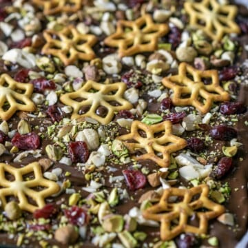 Festive Chocolate Bark is a delicious treat to give or to eat this Christmas. No need to make a batch of cookies when you can whip up some chocolate bark #christmasbark #christmaschocolate #chocolate #bark