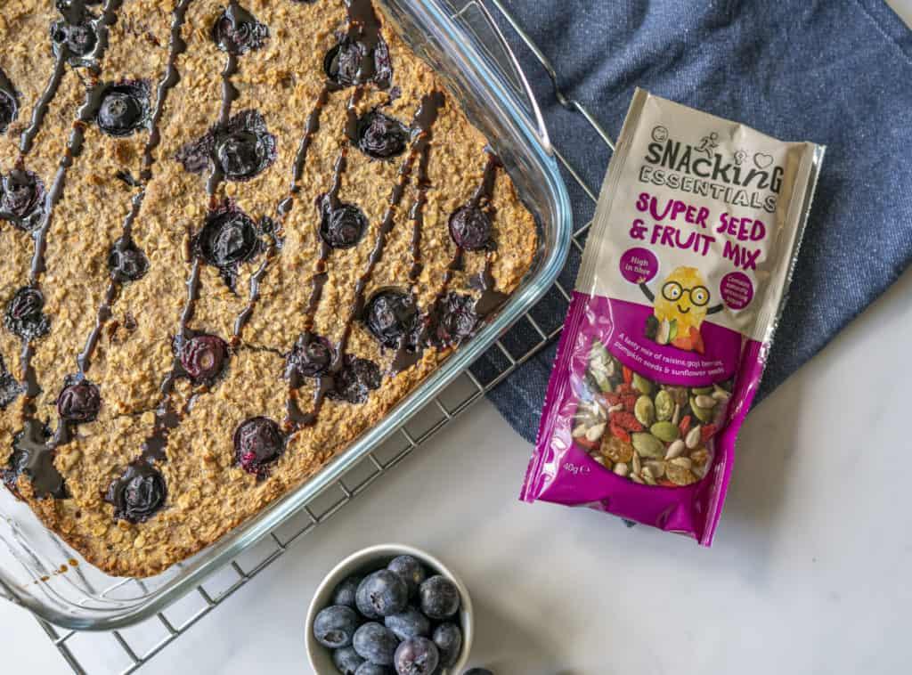 Delicious vegan baked porridge with blueberries #veganfood #veganrecipes #veganbreakfast #plantbasedmeals
