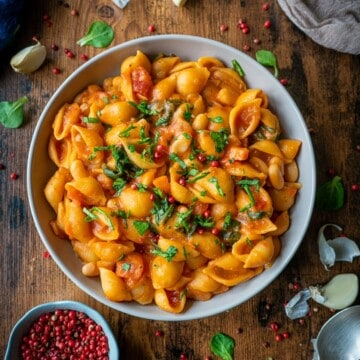 One Pot Pasta and Beans is a quick, easy, and nutritious dish for the whole family. It's vegan and ready to eat in 25 minutes!