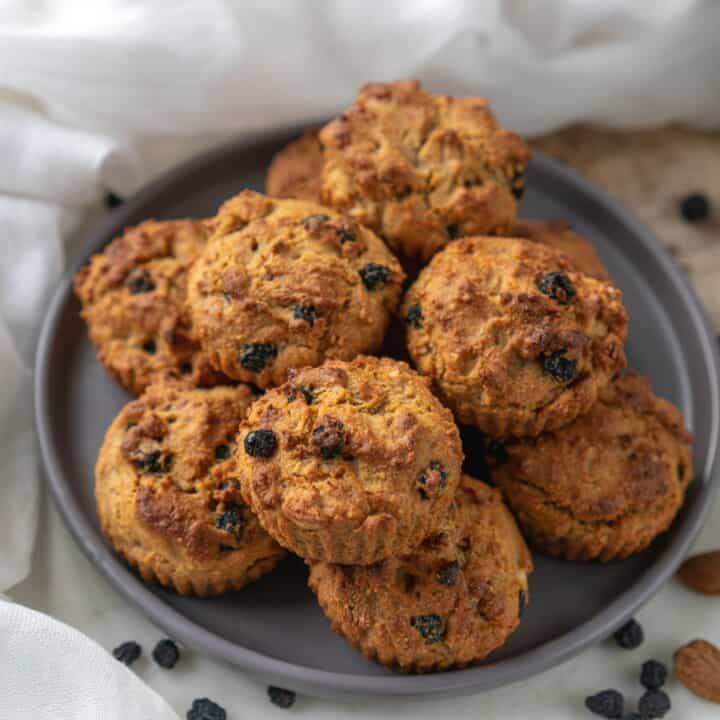 Amaranth Muffins with Aronia Berries