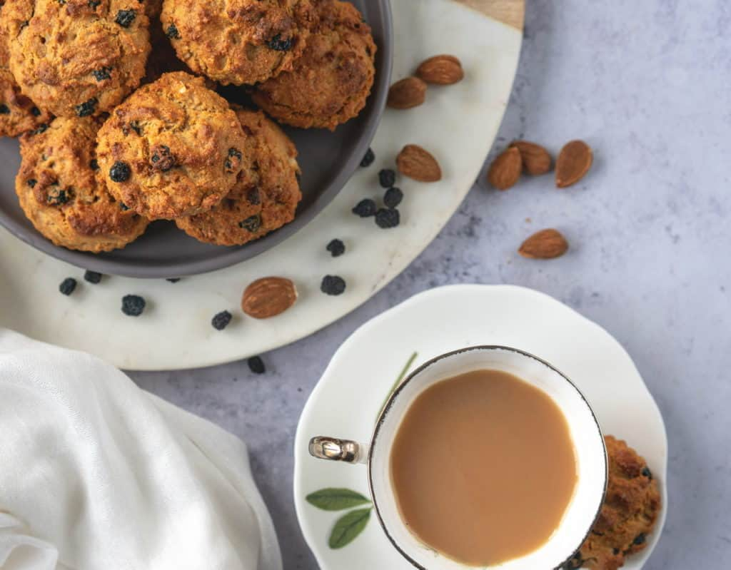 Amaranth flour muffins with Aronia berries