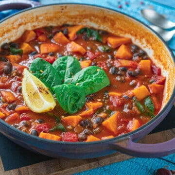 Easy Sweet Potato and Black Bean stew recipe made in one pot. Hearty, warming yet delicious and healthy. Vegan and gluten free #veganfood #veganstew #veganrecipes #blackbeanstew #healthyeating