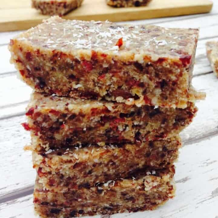 Simple and clean granola bars