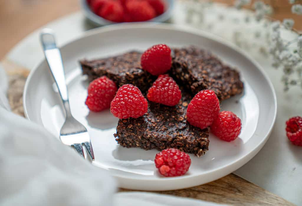 Clean eating chocolate oat squares 1