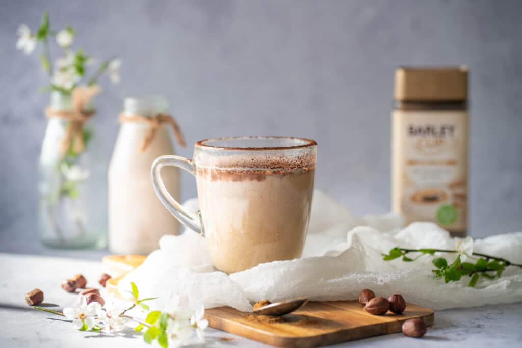 How to make homemade hazelnut latte, that is creamy, delicious and super easy? Well here is a recipe you will be making over and over again.