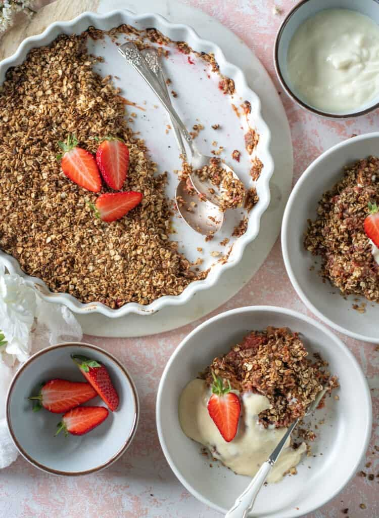 Easy Rhubarb crumble recipe made with only a few ingredients. Healthy, plant-based, gluten-free and fuss-free.