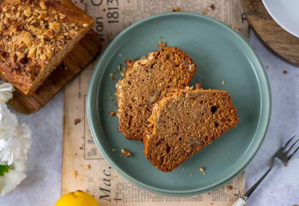 Earl Grey Tea Cake recipe which is easy, moist, and full of flavour. Naturally vegan and healthy, this is the best afternoon tea treat!
