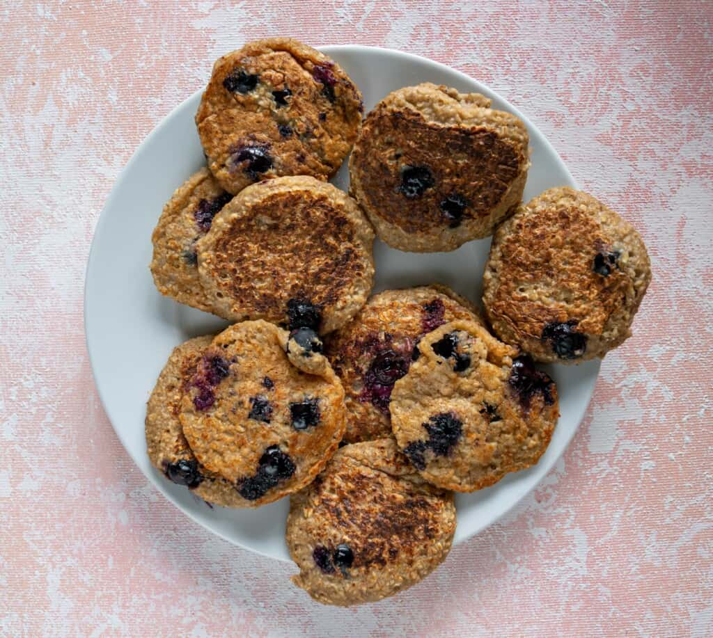 Get in line for these delicious, vegan, gluten free, 4 ingredient and easy BlueberryPancakes made entirely in a blender.YOU WILL LOVE THEM!