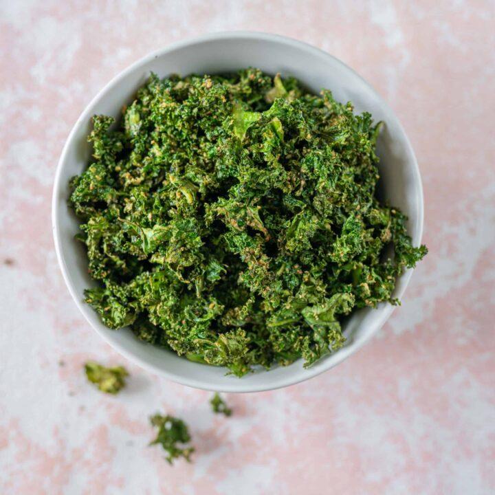 Cheesy Kale Crisps Recipe