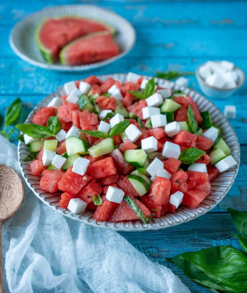 Nothing screams more summer than this very refreshing watermelon cucumber and feta salad. It's juicy and refreshing, completely vegan, gluten- free andgoes incredibly well with anything.